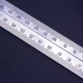 Obrázek z Kovový úhelník