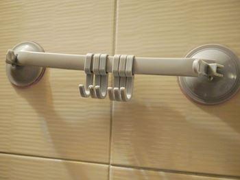 Obrázek z Přenosný držák s háčky - šedý