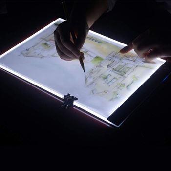 Obrázek z Svítící LED deska na obkreslování